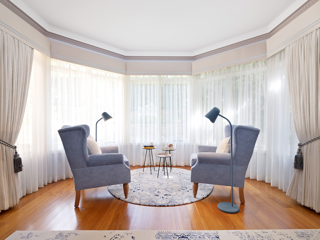 Curtains with decorative pelmets